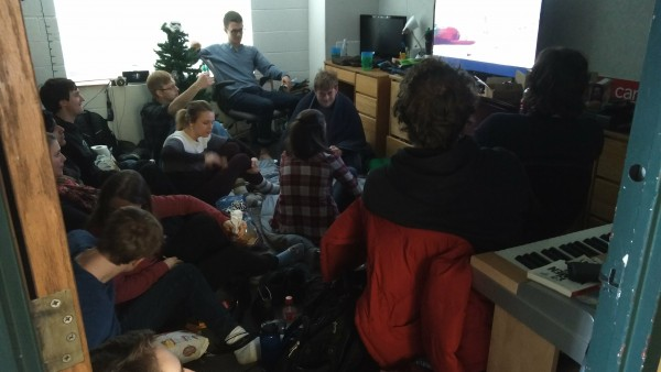 Twenty students packed in an Agee dorm room to watch Star Wars